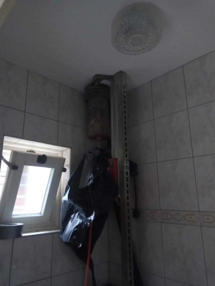 gat-boren-in-plafond